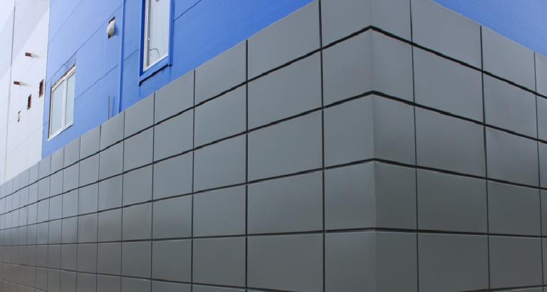 Фасад из оцинкованной стали