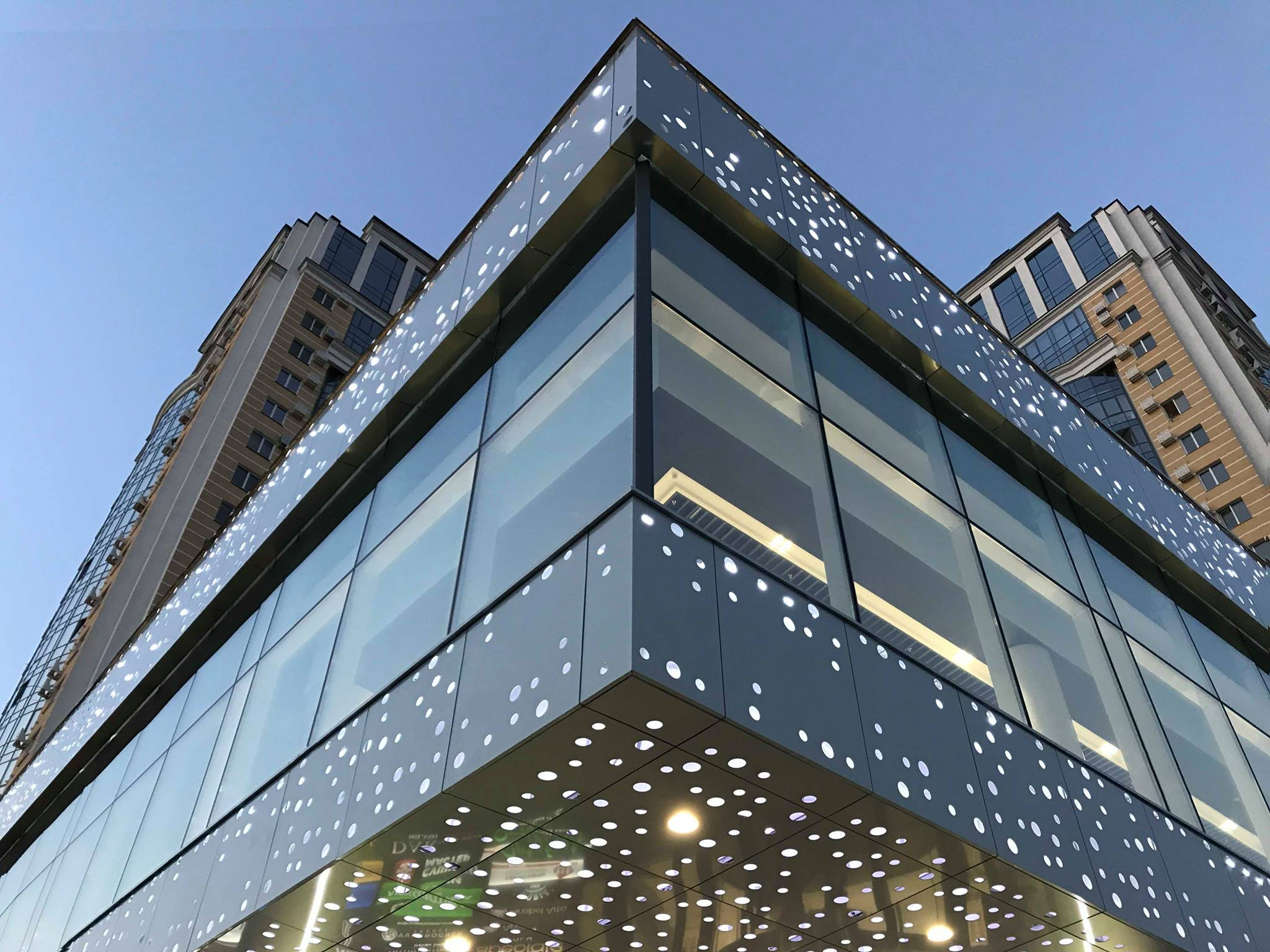 <h1>Системи кріплення вентильованих фасадів</h1>