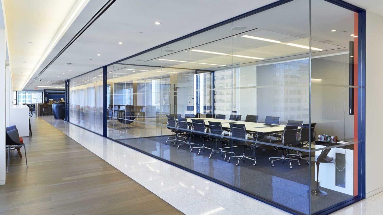 Красивые стеклянные перила и ограждения – достойное оформление веранд, балконов, лестниц и помещений